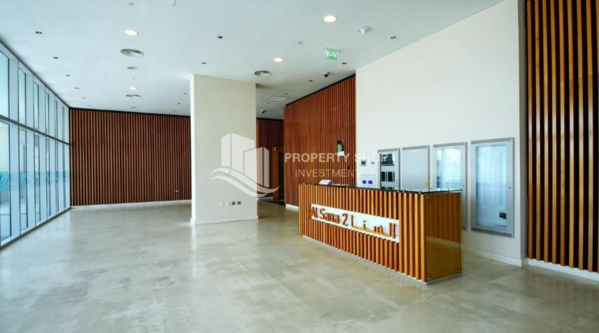 Reception-High ROI!.Huge 2BR Apartment on high floor with great facilities