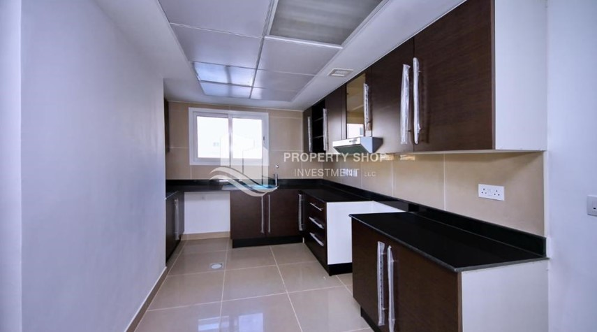 Kitchen-Vacant 5BR+M Villa with private pool.