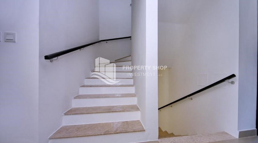 Stairs-Vacant 5BR+M Villa with private pool.