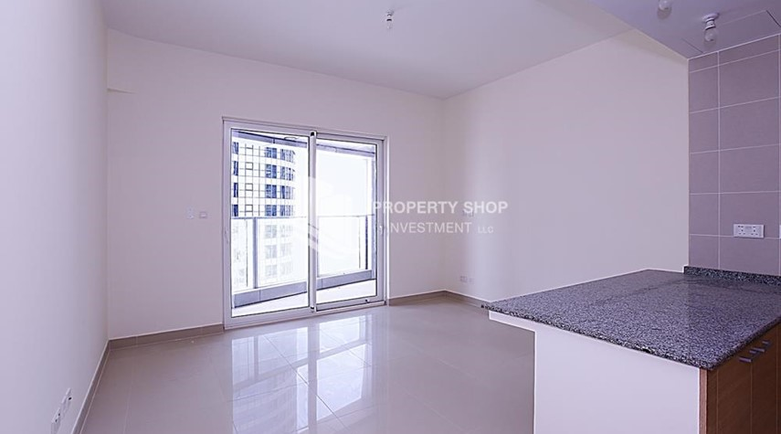 Living Room-Huge 2BR Apt in Marina Bay for Rent!