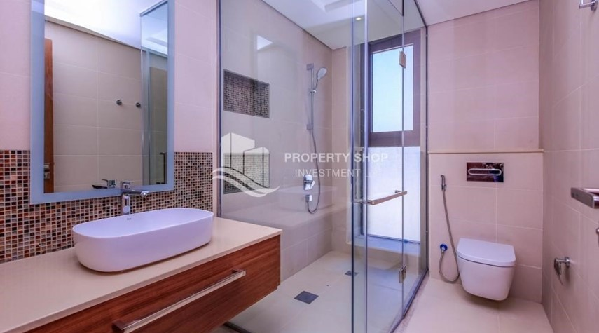 Bathroom-Selling at OP. Own a luxurious villa in West Yas.