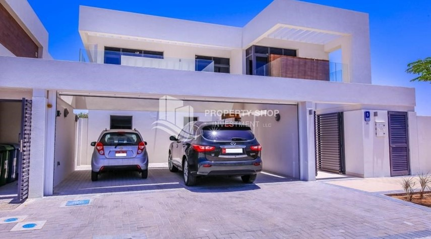 Parking-5BR+M independent villa with terrace.