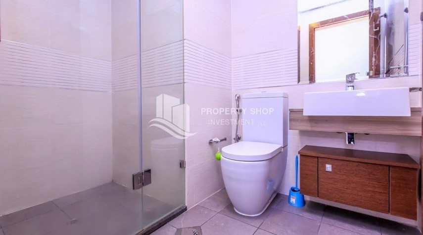 Bathroom-Studio apartment in Gate Tower for rent.