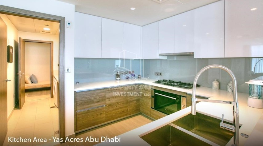 Kitchen-Spacious 3 bedroom townhouse in Yas Acres