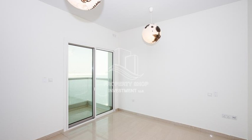 Bedroom-Sea View! 3BR apartment available for rent now!