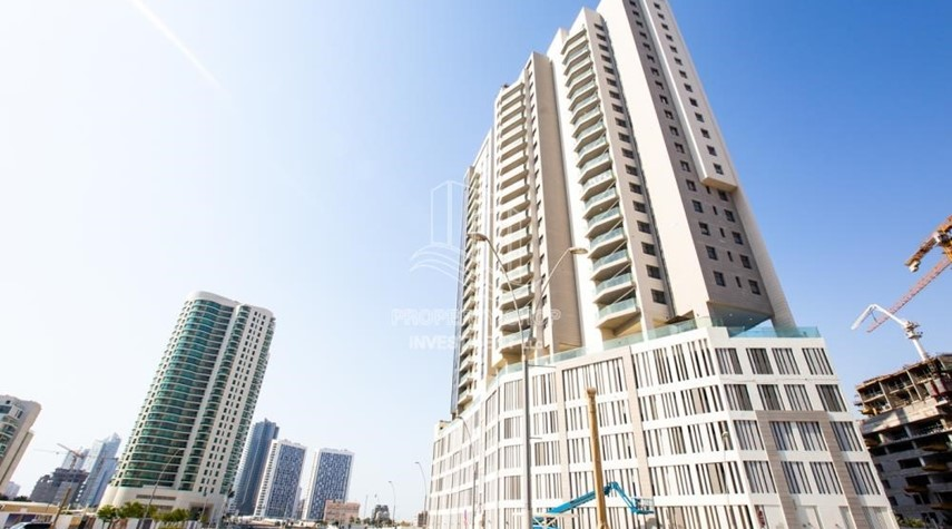 Property-Huge Layout, 1 BR Apartment  with 1 Month Rent Free and 0 Commission!