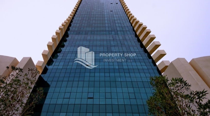 Property-Sea-city view 1BR apt w/ built in cabinet for sale in Marina Bay.