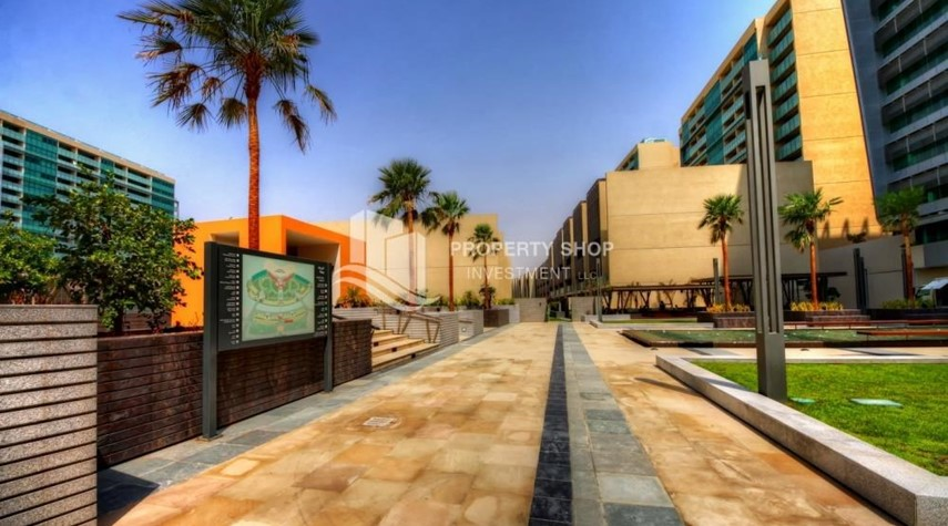 Community-4bd townhouse front row with waterfront for sale in Al muneera