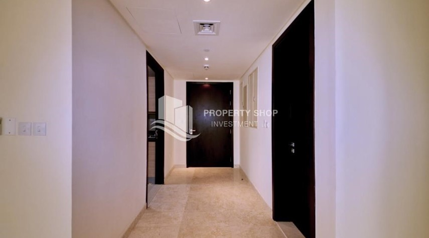 Foyer-3 bedrooms with Excellent Facilities in Ocean Terrace for sale.