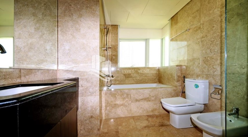 Master Bathroom-3 bedrooms with Excellent Facilities in Ocean Terrace for sale.