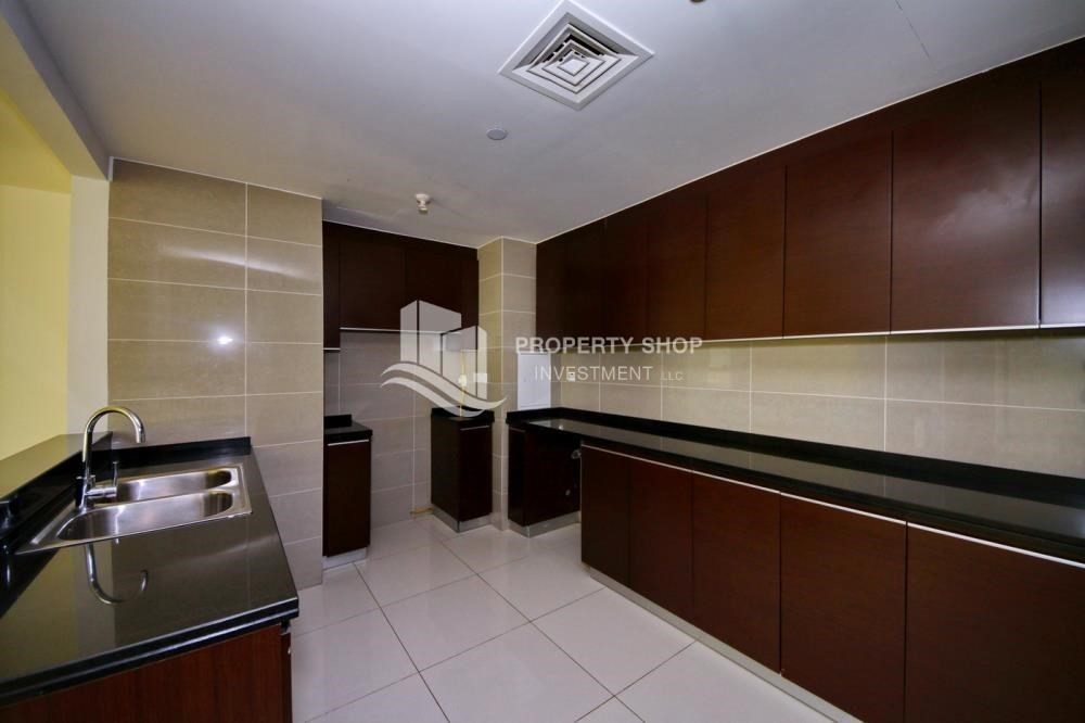 Kitchen-Hot Deal Sea View Apt at Excellent Price.