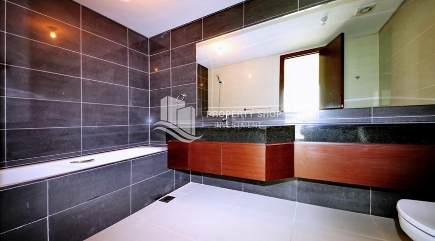 Bathroom-1 Bedrooom Apartment in Marina Blue, Marina Square FOR RENT!