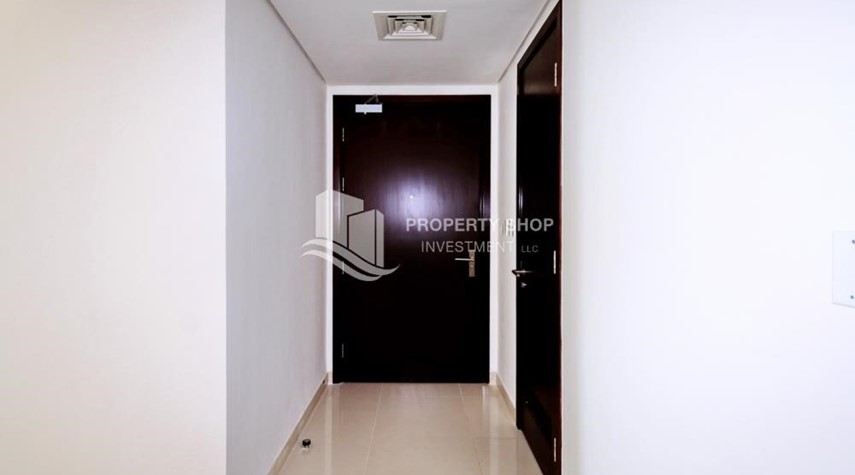 Foyer-1 Bedrooom Apartment in Marina Blue, Marina Square FOR RENT!