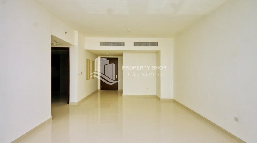 Dining Room-Spacious vacant apartment in Marina Square for sale!