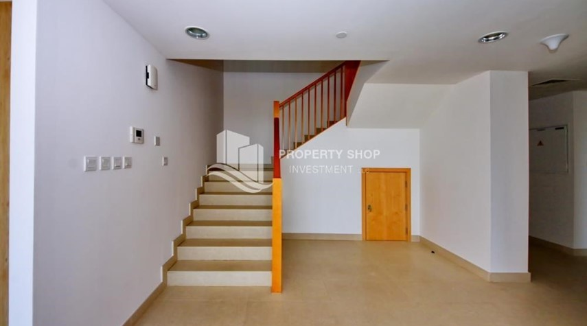 Stairs-4 bedroom with big terrace and direct access to the elevator