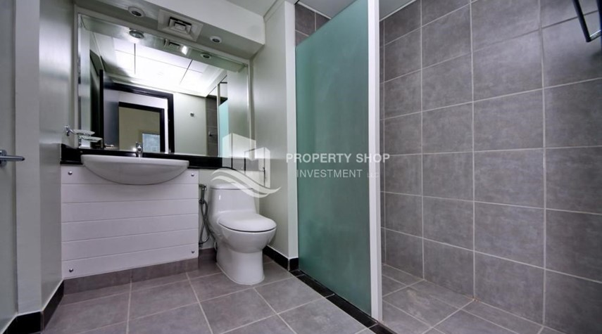 Bathroom-High floor 3BR + M with balcony in prime location