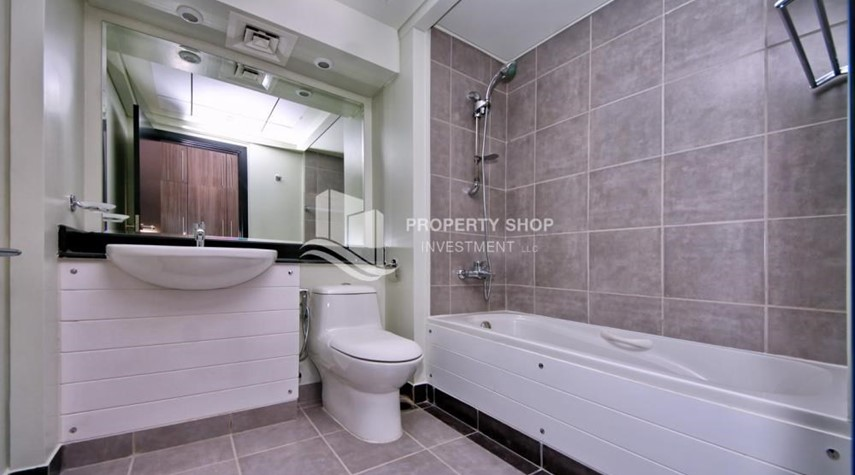 Master Bathroom-High floor 3BR + M with balcony in prime location