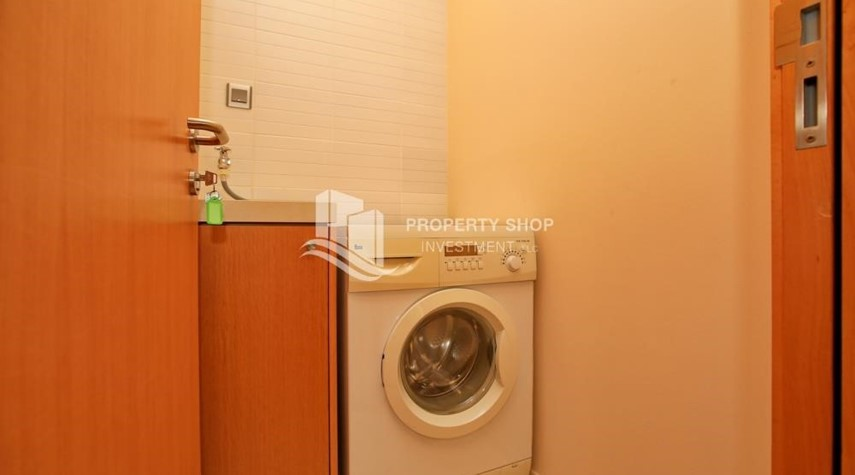 Laundry Room-Luxurious 3BR Apartment with sea View for Rent