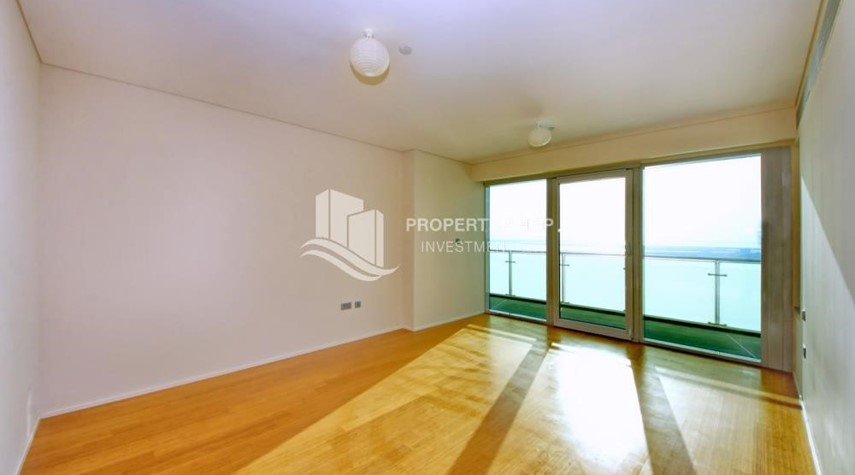 Maid Room-Luxurious 3BR Apartment with sea View for Rent
