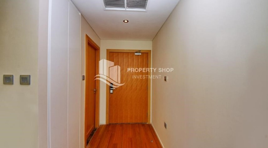 Foyer-High floor 1 BR apt with well maintained facilities of Al Sana, Al Muneera