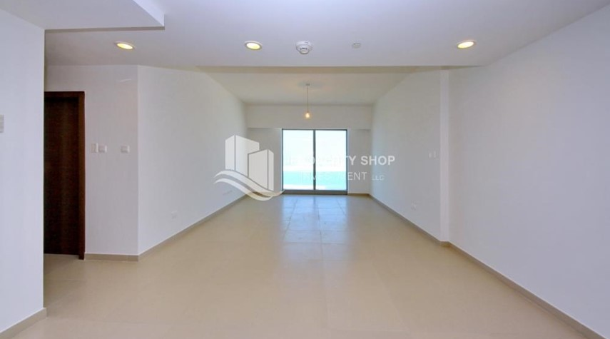 Living Room-Spacious layout, High floor Apt plus Maid's room with sea view.