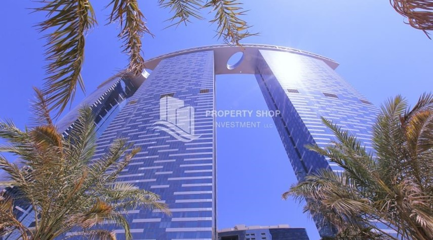Property-Spacious layout, High floor Apt plus Maid's room with sea view.