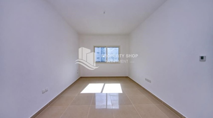 Bedroom-2BR Apt with Balcony and Storage, street view, available for rent Now