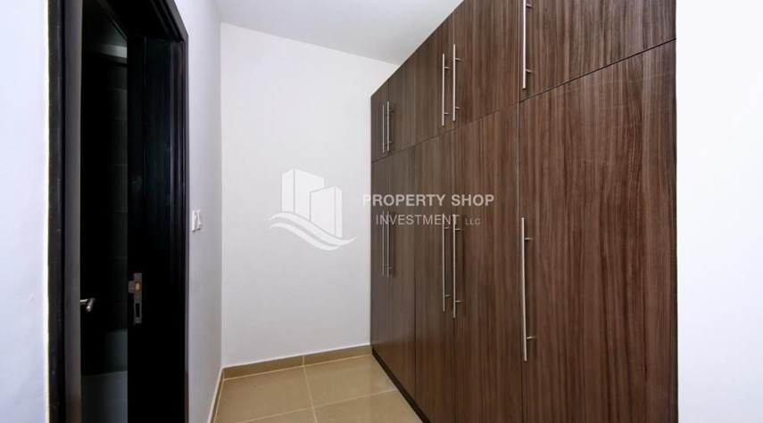 Built in Wardrobe-2BR Apt with Balcony and Storage, street view, available for rent Now
