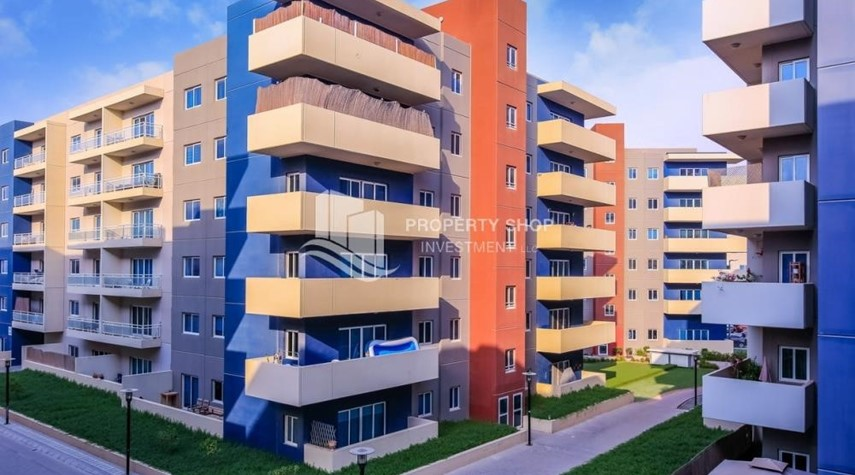 Property-2BR Apt with Balcony and Storage, street view, available for rent Now
