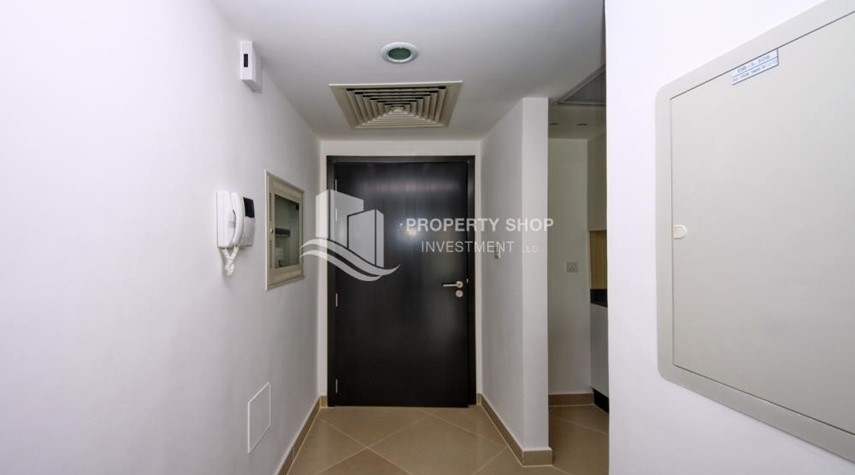Foyer-2 Bedroom Apartment in Al Reef Downtown FOR RENT!