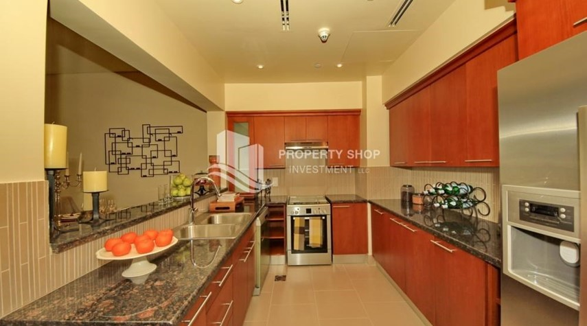 Kitchen-2BR Apt on Low Floor with street view in Saadiyat Island!