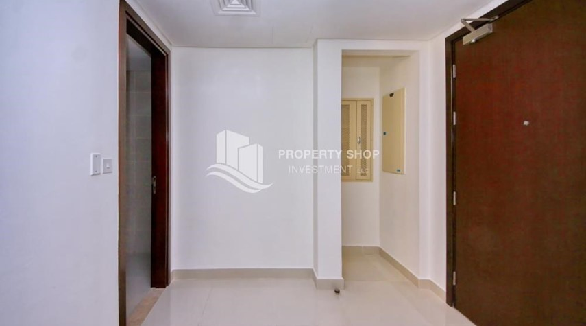 Hall-High floor Apt in Al Maha Tower.