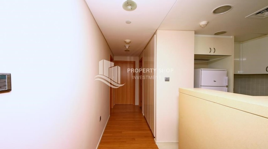 Corridor-available for rent with fantastic community!