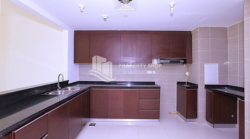 Kitchen-Apt with all facilities on High Floor + High ROI.