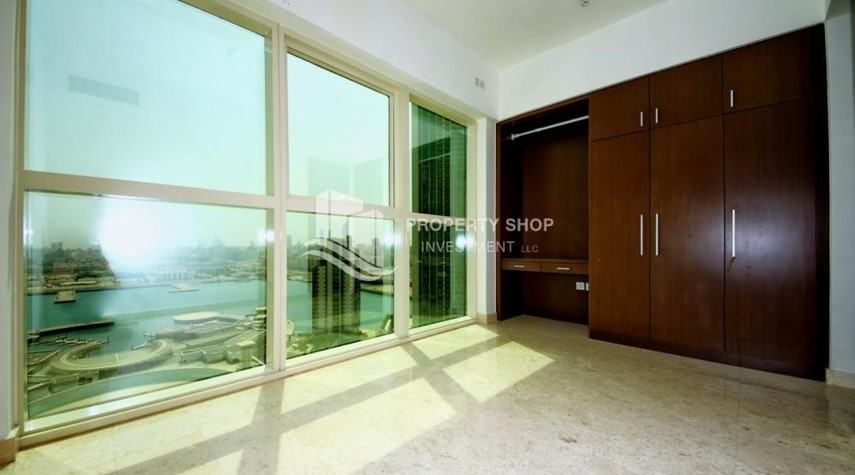 Built in Wardrobe-Low floor 1BR Apt with Sea view.
