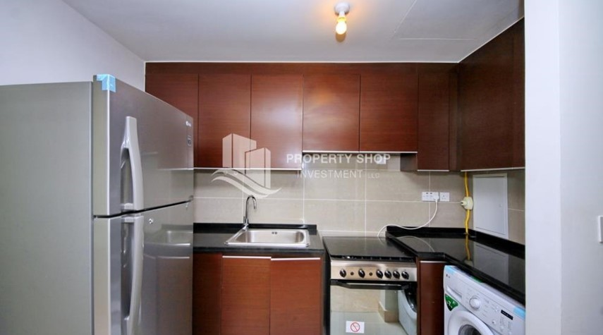Kitchen-Studio Unit with Sea view vacant for rent