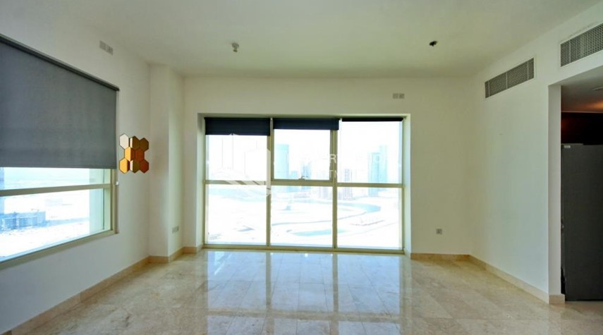 Living Room-Studio Unit with Sea view vacant for rent