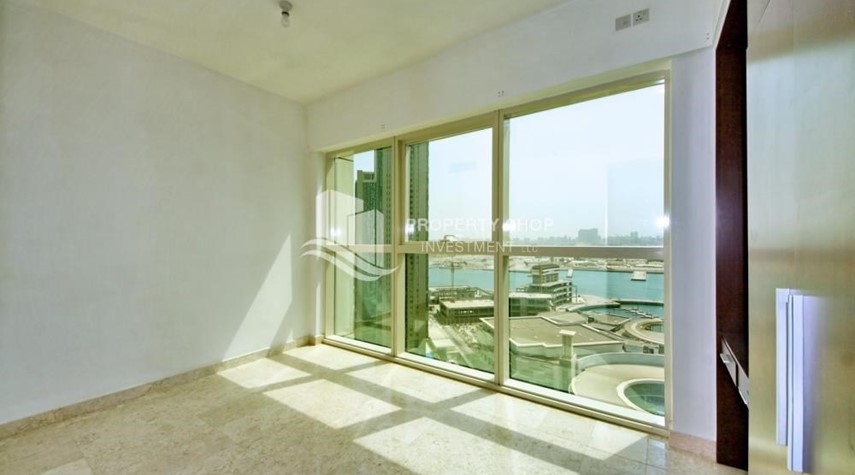 Bedroom-Spacious 1BR Apt in Marina Square with Stunning Views!
