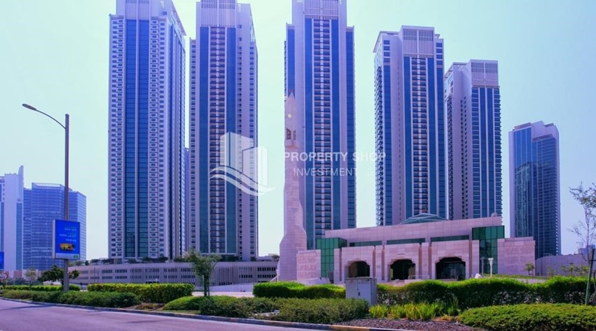 Community-Spacious 1BR Apt in Marina Square with Stunning Views!