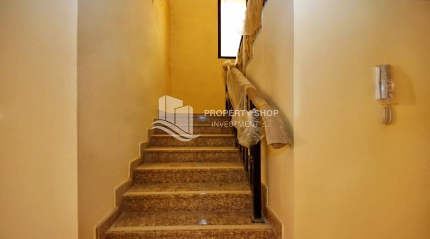 Stairs-Spacious villa with terrace + parking.