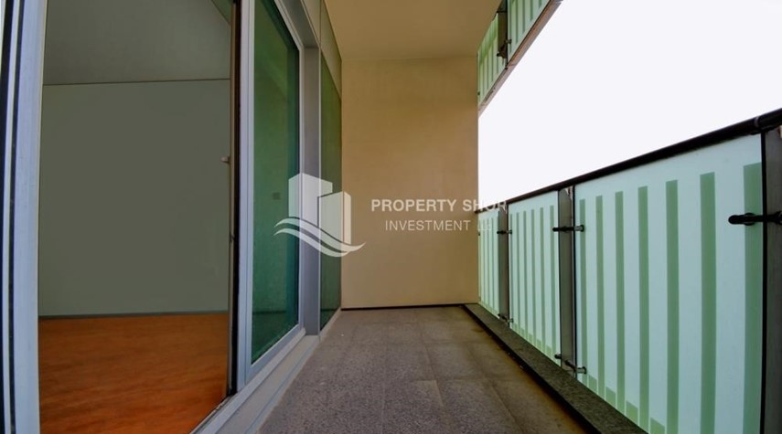 Balcony-2% Rent Free + 1 Month Rent Free / Sea view 4BR+M Apt.