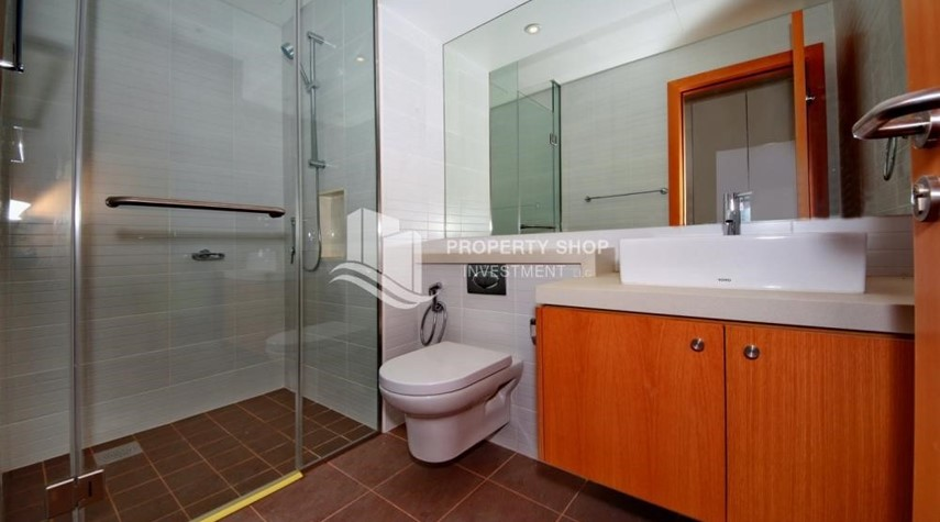 Bathroom-2% Rent Free + 1 Month Rent Free / Sea view 4BR+M Apt.