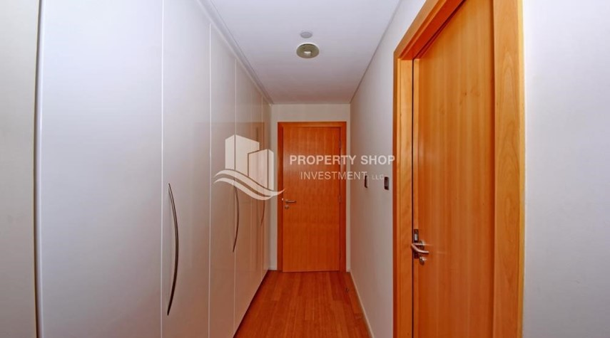 Built in Wardrobe-2% Rent Free + 1 Month Rent Free / Sea view 4BR+M Apt.