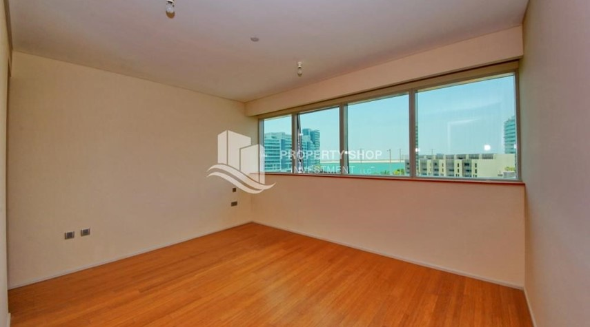 Master Bedroom-2% Rent Free + 1 Month Rent Free / Sea view 4BR+M Apt.