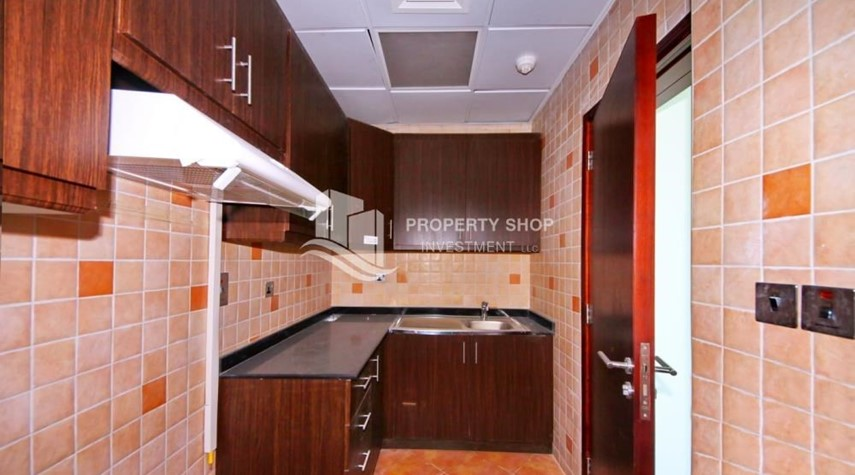 Kitchen-Mid Floor Unit with Sea View + Parking.