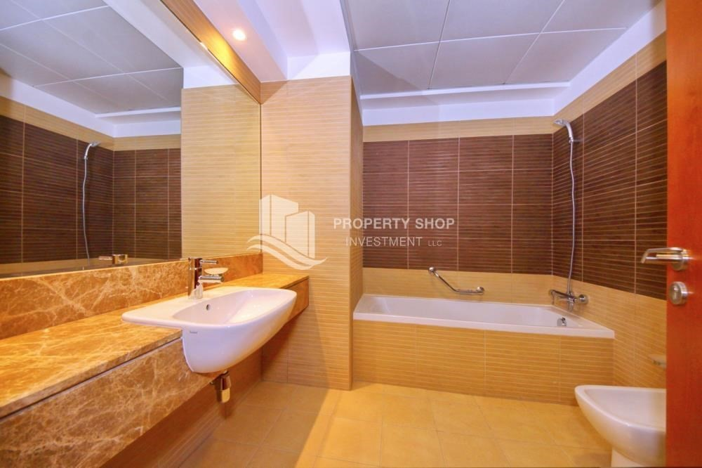 Bathroom-3 + M with balcony and sea view for rent