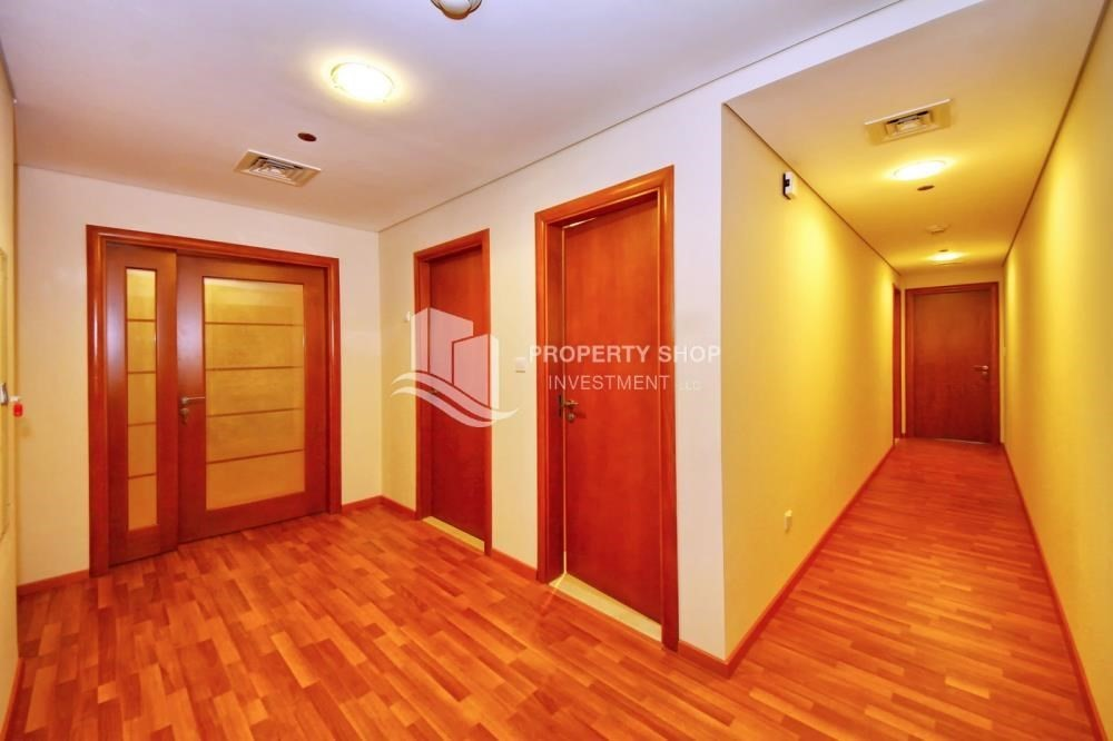 Corridor-3 + M with balcony and sea view for rent