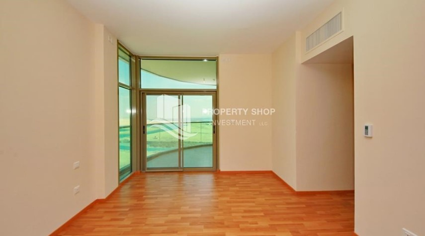 Bedroom-Large Apt on high floor with full facilities.