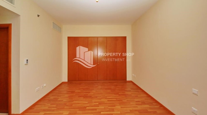 Built in Wardrobe-Large Apt on high floor with full facilities.