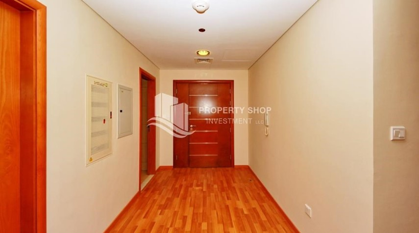 Hall-Large Apt on high floor with full facilities.